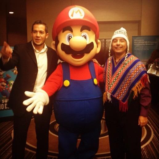 Mario and tech blogger Alberto Saldamando dressed in traditional Peruvian wardrobe.